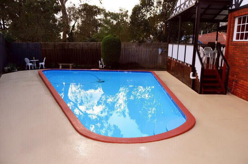 Pebbled-swimming-pool-cracked-Poolsidepaving-paint-luxapool-melbourne
