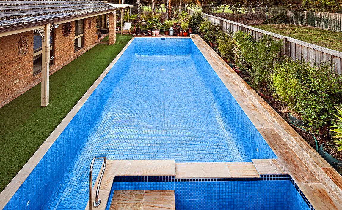 Full-tiled-pool-spa Swimming Pool Tiling Melbourne - Local Pool Renovations